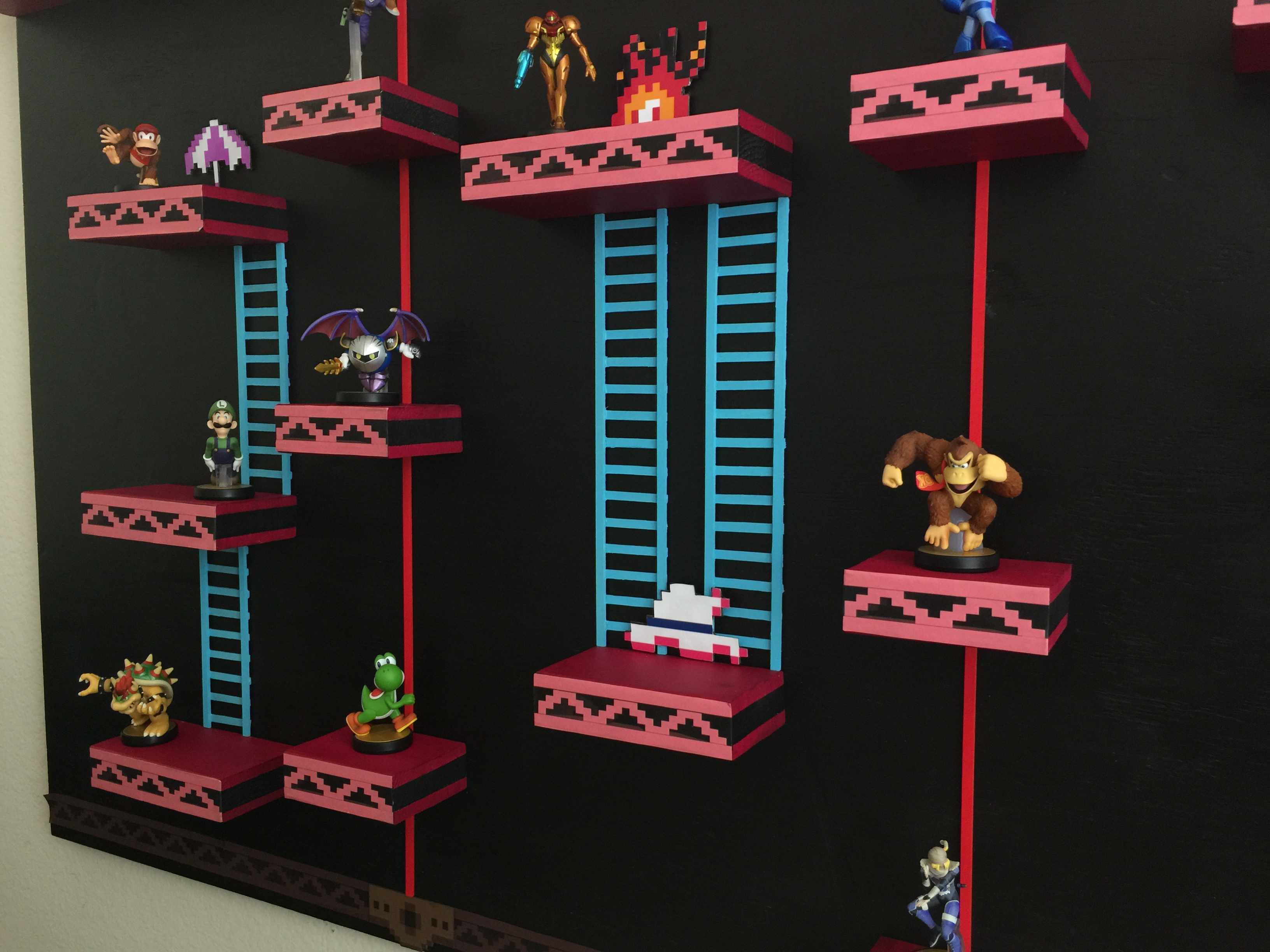 """This custom """"75m"""" shelf takes amiibo displays to several new levels"""